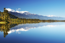 Lærredsprint - Beautiful lake, New Zealand