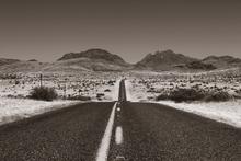 Fototapet - Desert Highway - Sepia