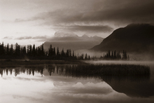 Canvas print - Reflection - Sepia