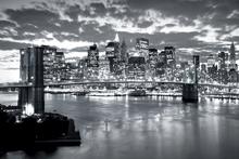 Valokuvatapetti - Brooklyn Bridge Cloudy Day