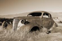 Fototapet - Rusty Car - Sepia