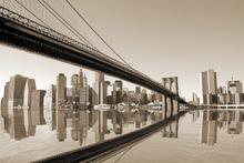 Canvas-taulu - Reflecting Manhattan - Sepia
