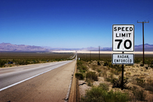 Fototapet - Speed Limit 70