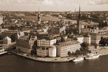 Valokuvatapetti - Stockholm in Sunlight - Sepia