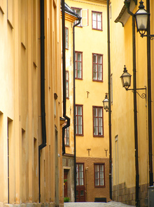 Canvastavla - Narrow Alley of Stockholm Old Town