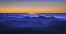 Wall mural - Misty Mountains