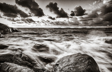 Fototapet - Stormy Sea at Rocks