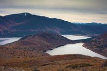 Fototapet - Autumn Colored Mountain Lakes Landscape