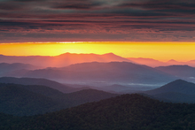 Leinwandbild - Purple Haze Sunrise blue ridge Mountains