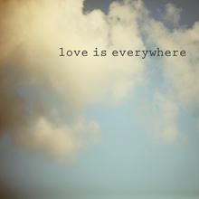 Canvas-taulu - Love Is