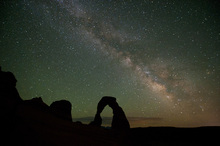 Leinwandbild - Stone Arch and the Milky Way