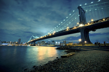 Wall mural - Manhattan Bridge Glowing at Night
