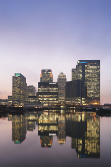 Canvas print - Canary Wharf at Dusk, London