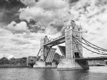 Canvas print - Tower Bridge Opening