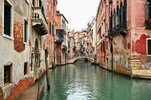 Canvas print - Bricks and Water Alleys in Venice