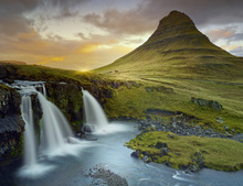 Wall mural - Three Waterfalls - Iceland