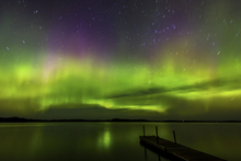 Fototapet - Aurora Borealis over Burntside Lake