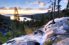 Valokuvatapetti - Beautiful Sunrise at Eagle Falls