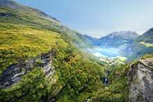 Fototapet - Cliffs around Geirangerfjord, Norway