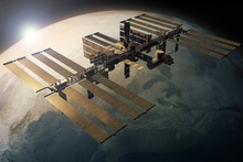 Canvastavla - Space Station Orbiting the Earth