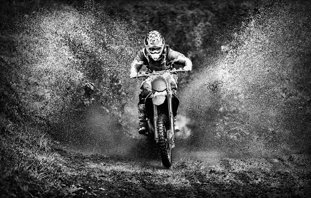 Spray Mud Motorcycle, black and white