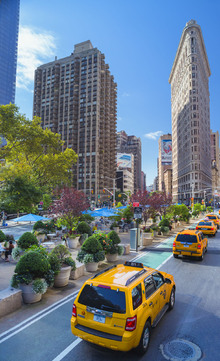 Canvas print - Colorful Cabs by Flatiron Building