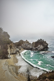 Canvas print - McWay Falls in Big Sur