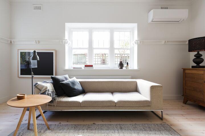 Danske romdesign deler sine prinsipper og ideer med det skandinaviske interiørdesignet. Den legger vekt på enkelhet, minimalisme og funksjonalitet. Mange boligeiere er imponert over den danske romdesignen og blir brukt og brukt i mange boliger. Her har vi skrevet informasjonen du trenger om den danske romdesignen.