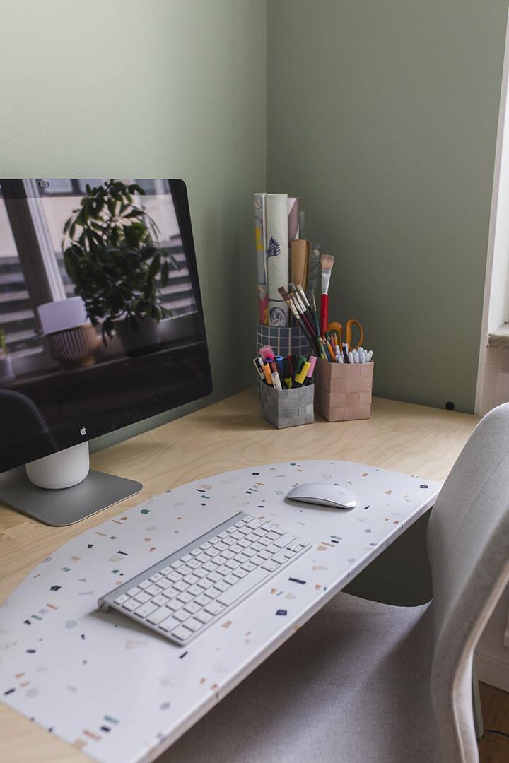 Wallpaper desk pad