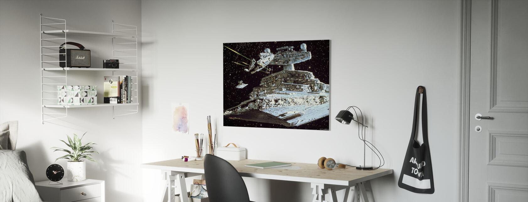 Tähtien sota - Millennium Falcon hyökkäys - Canvastaulu - Lastenhuone
