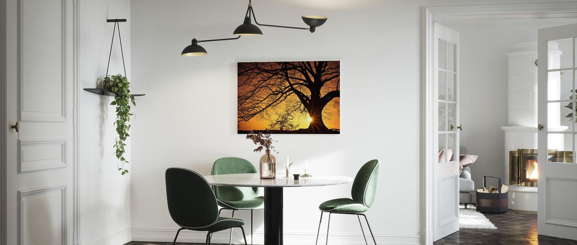 Siluetti paju puu auringonlaskun - Canvastaulu - Keittiö