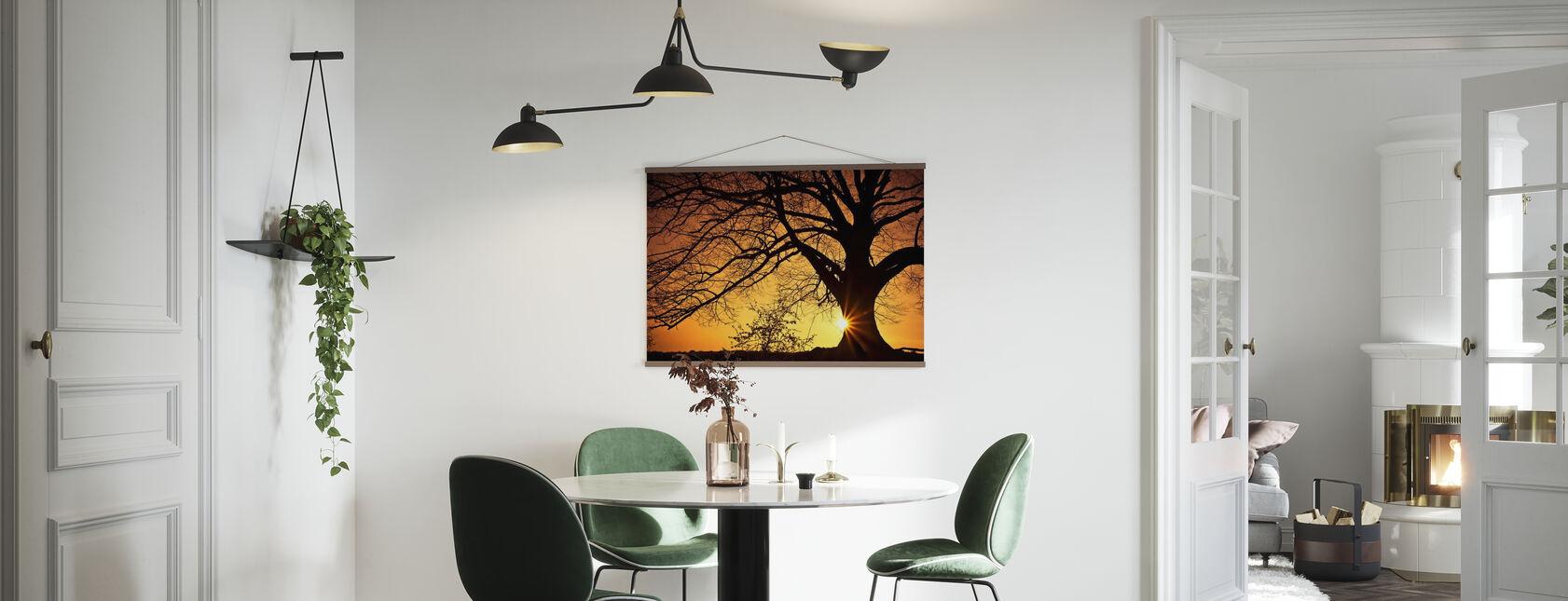 Silhouet van een wilgenboom in zonsondergang - Poster - Keuken