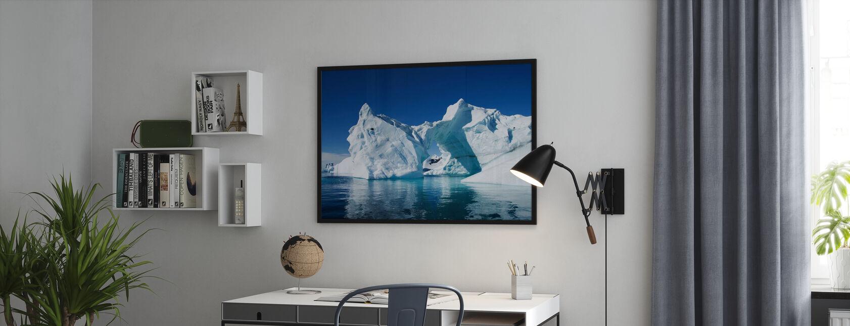 Jäävuori Etelämantereen - Kehystetty kuva - Toimisto
