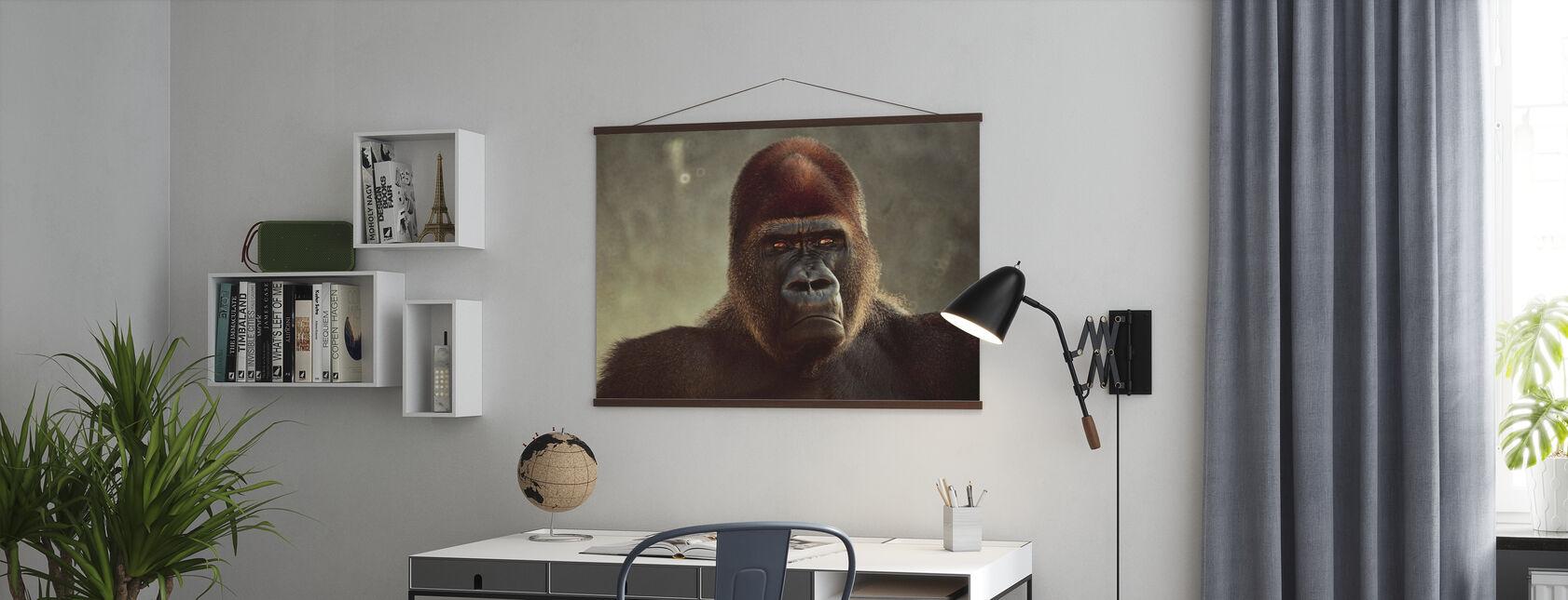 Mahtava Gorilla - Juliste - Toimisto