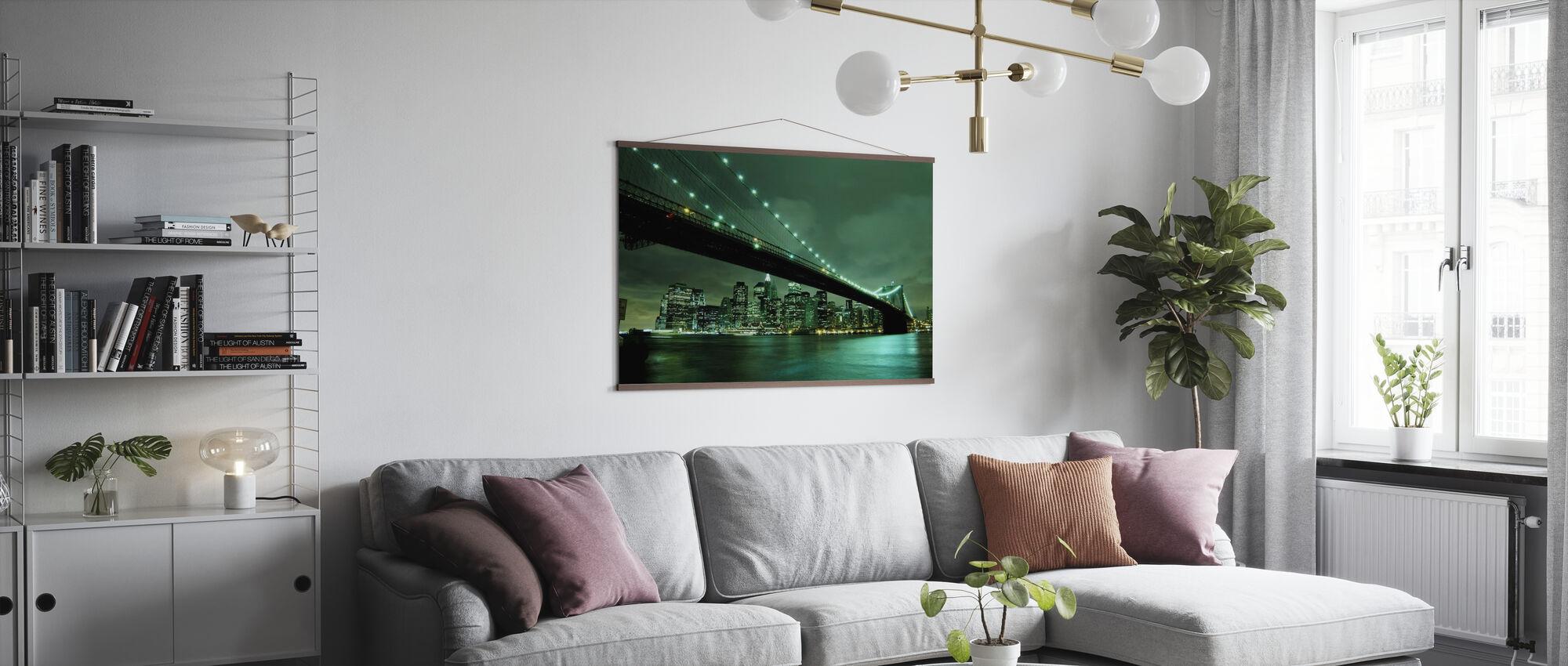 Brooklyn Bridge på Night Green - Poster - Vardagsrum