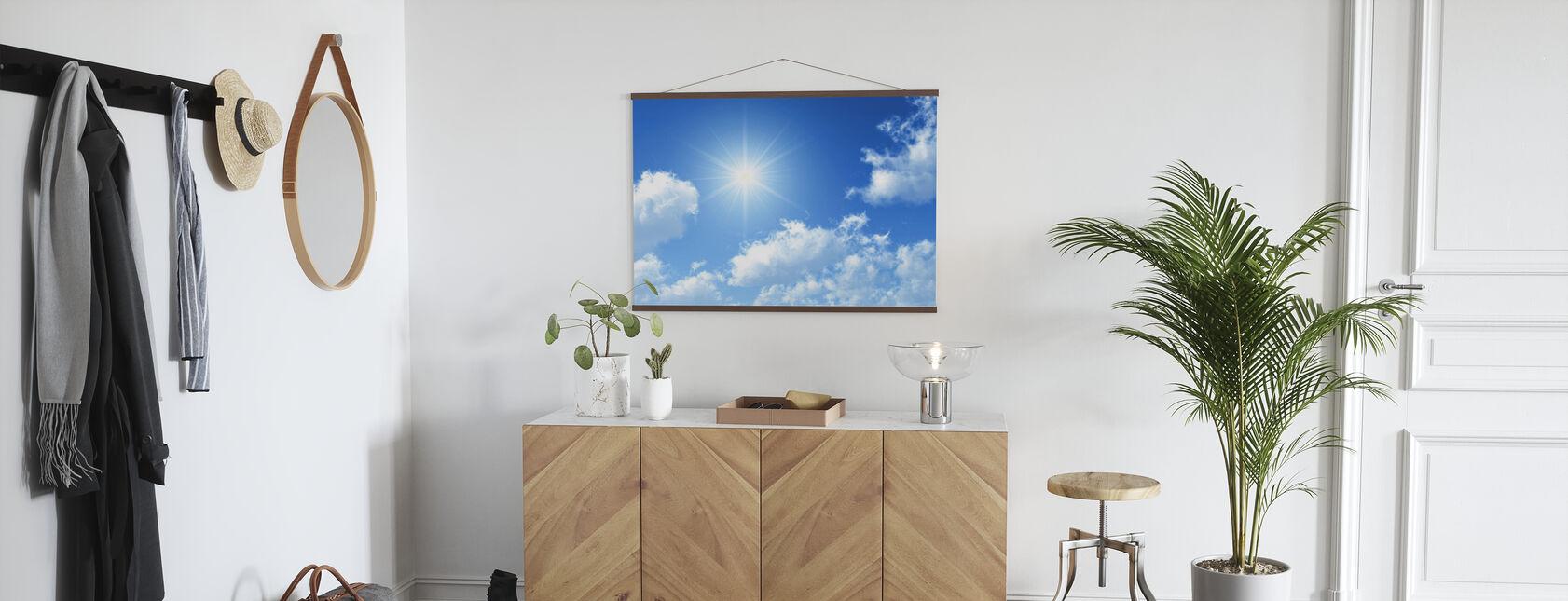 Aurinkoinen taivas - Juliste - Aula