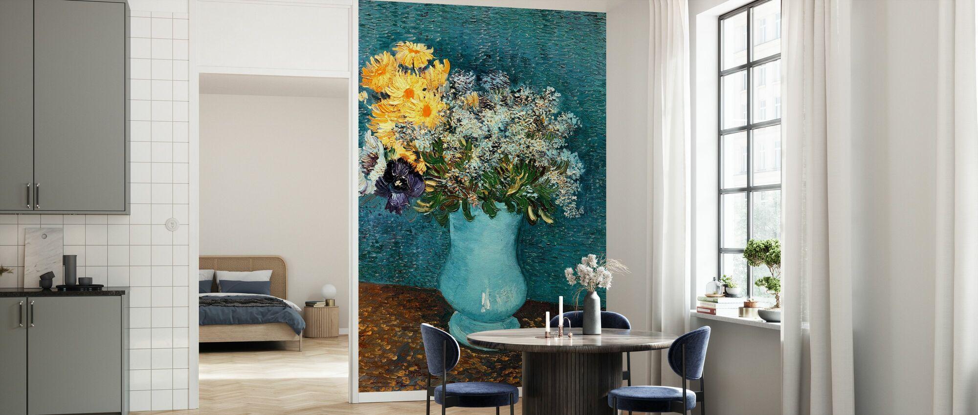 Vase med syriner, tusenfryd og Anemoner, Vincent van Gogh - Tapet - Kjøkken