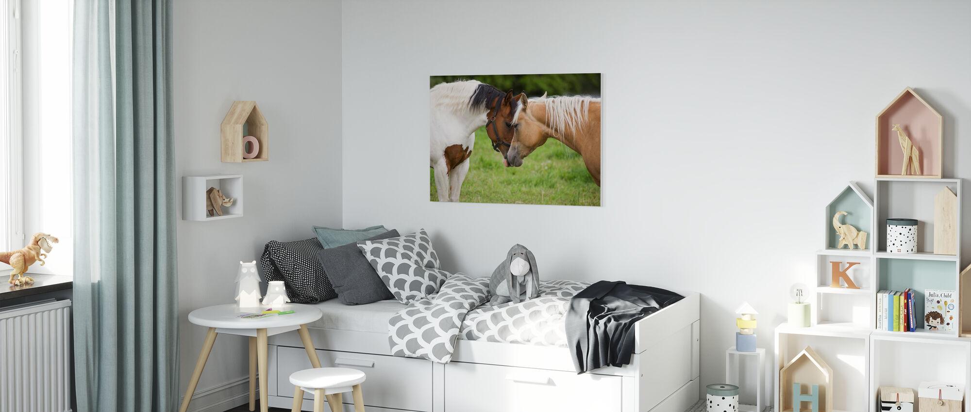Chevaux câlins - Impression sur toile - Chambre des enfants