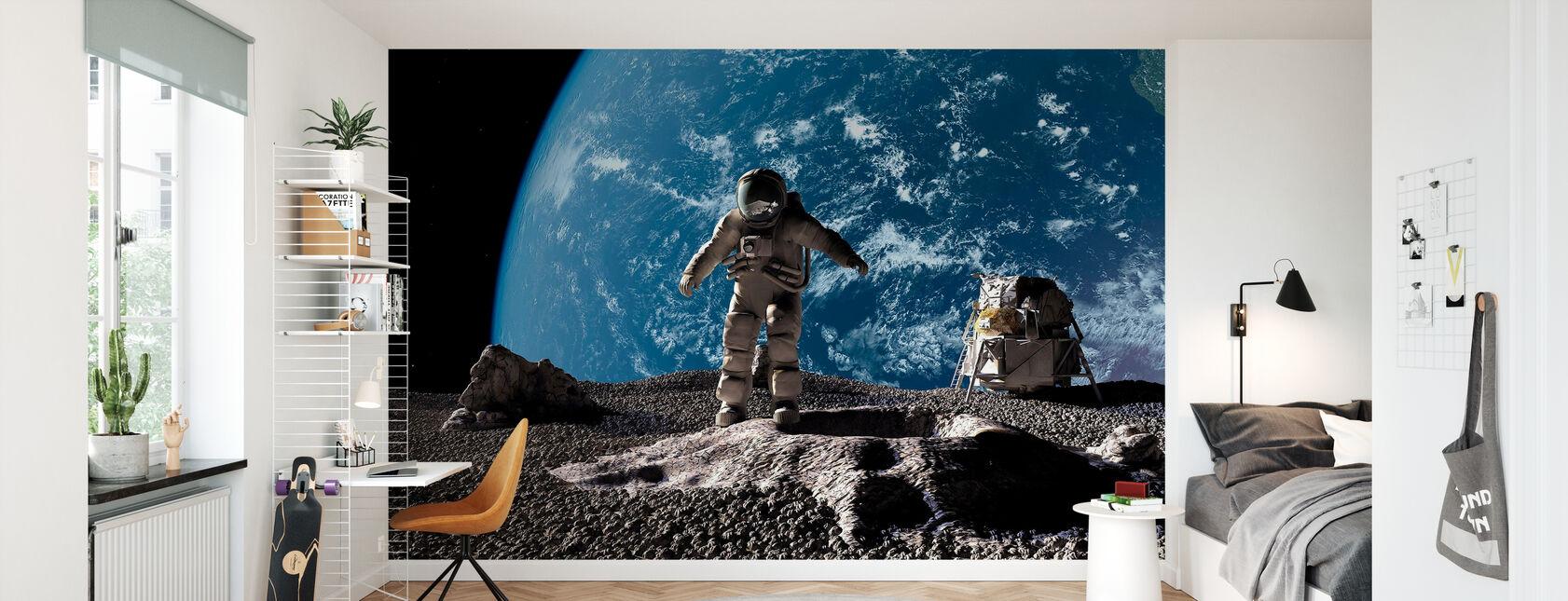 Astronaut med jorden i bakgrunden - Tapet - Barnrum