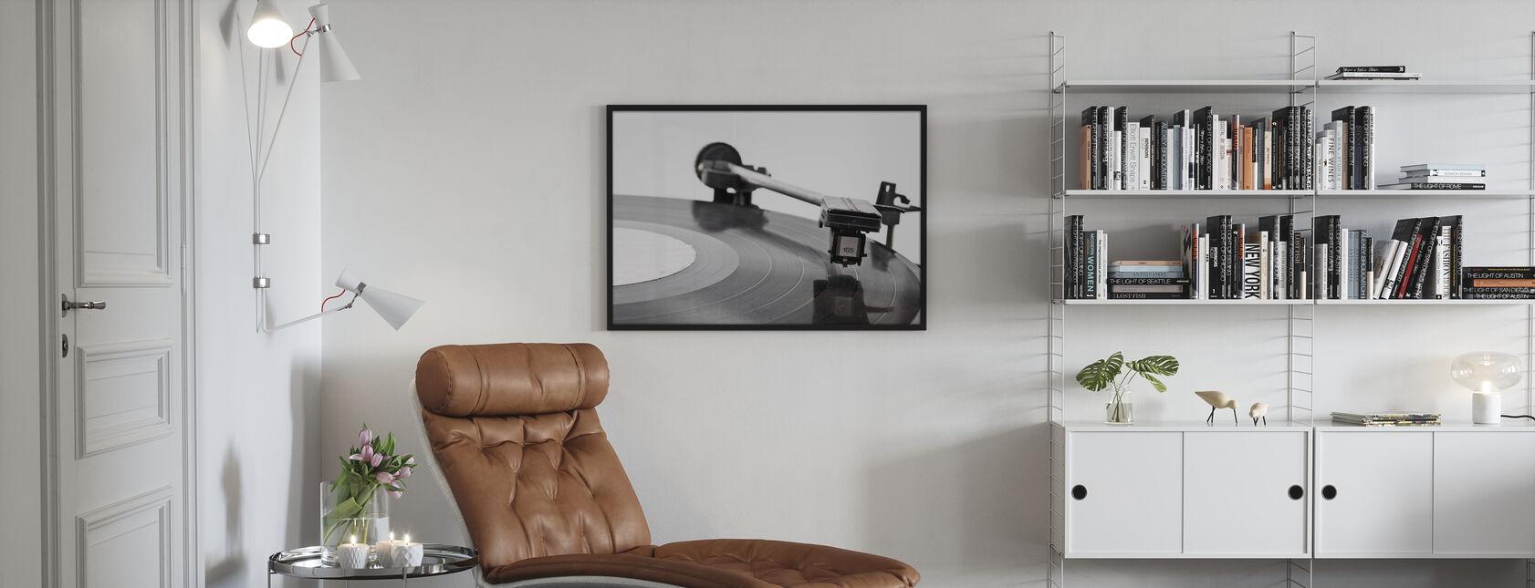 Vanha vinyylisoitin - Kehystetty kuva - Olohuone