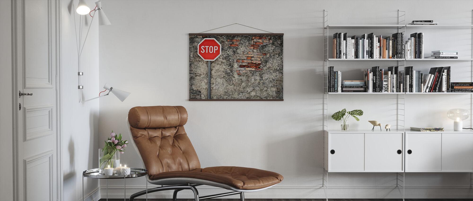 Stop tegn mod grungy væg - Plakat - Stue