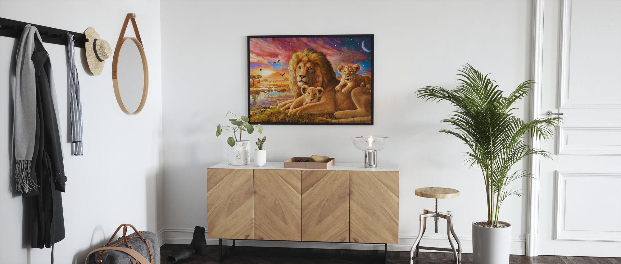 Lion Alba - Stampa incorniciata - Sala