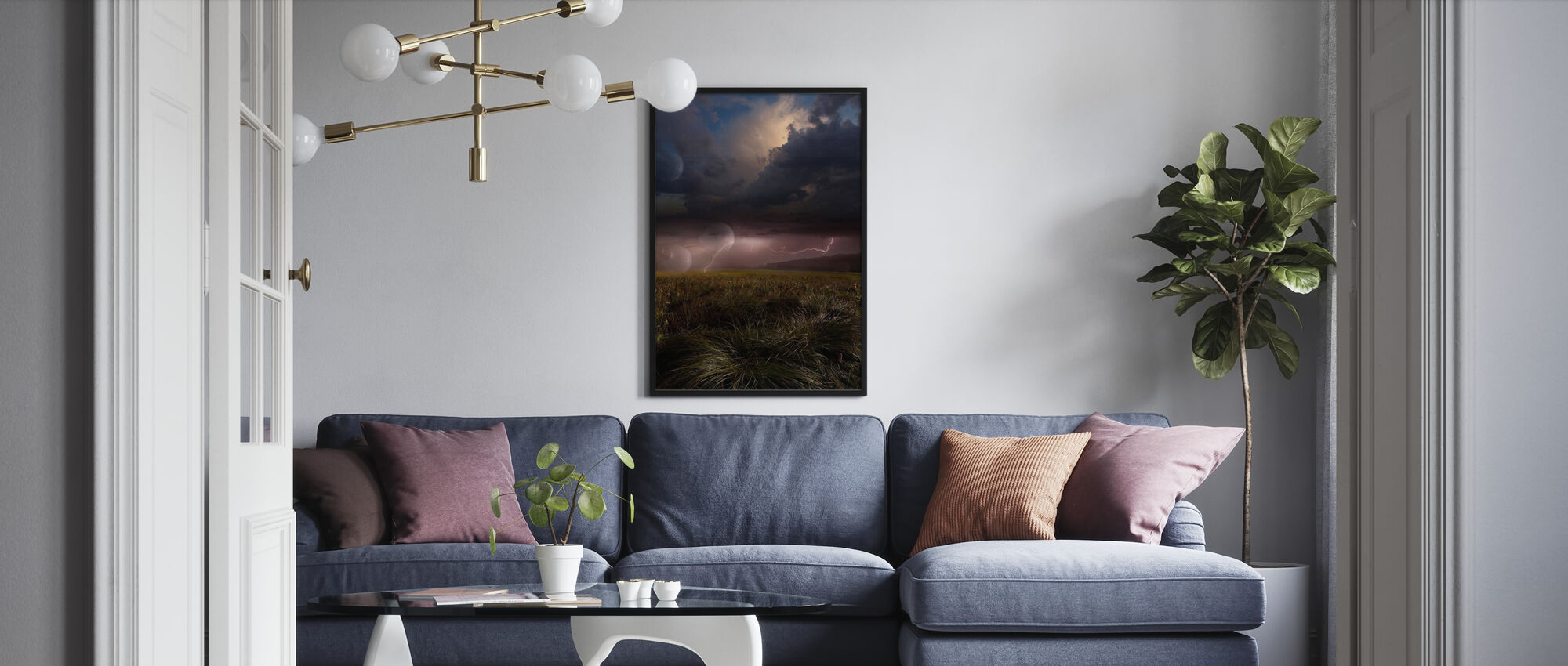 Vaaleanpunainen Salama - Kehystetty kuva - Olohuone