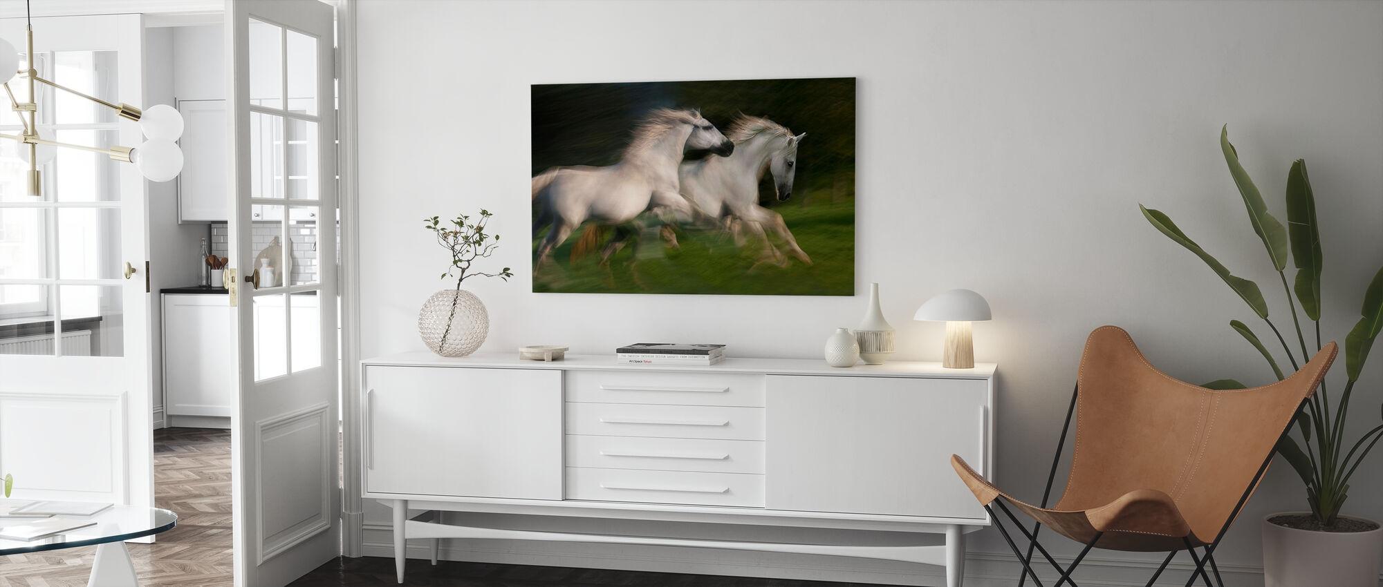 Hvite Hester Galopp - Lerretsbilde - Stue