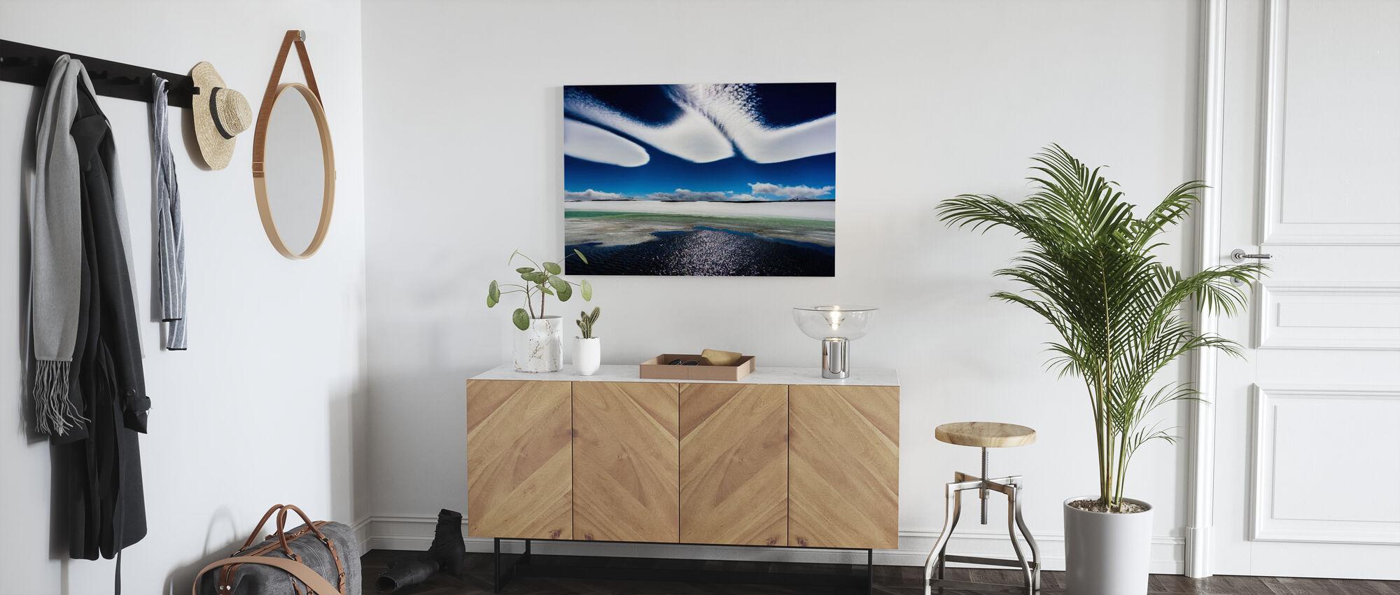 Isländska moln - Canvastavla - Hall