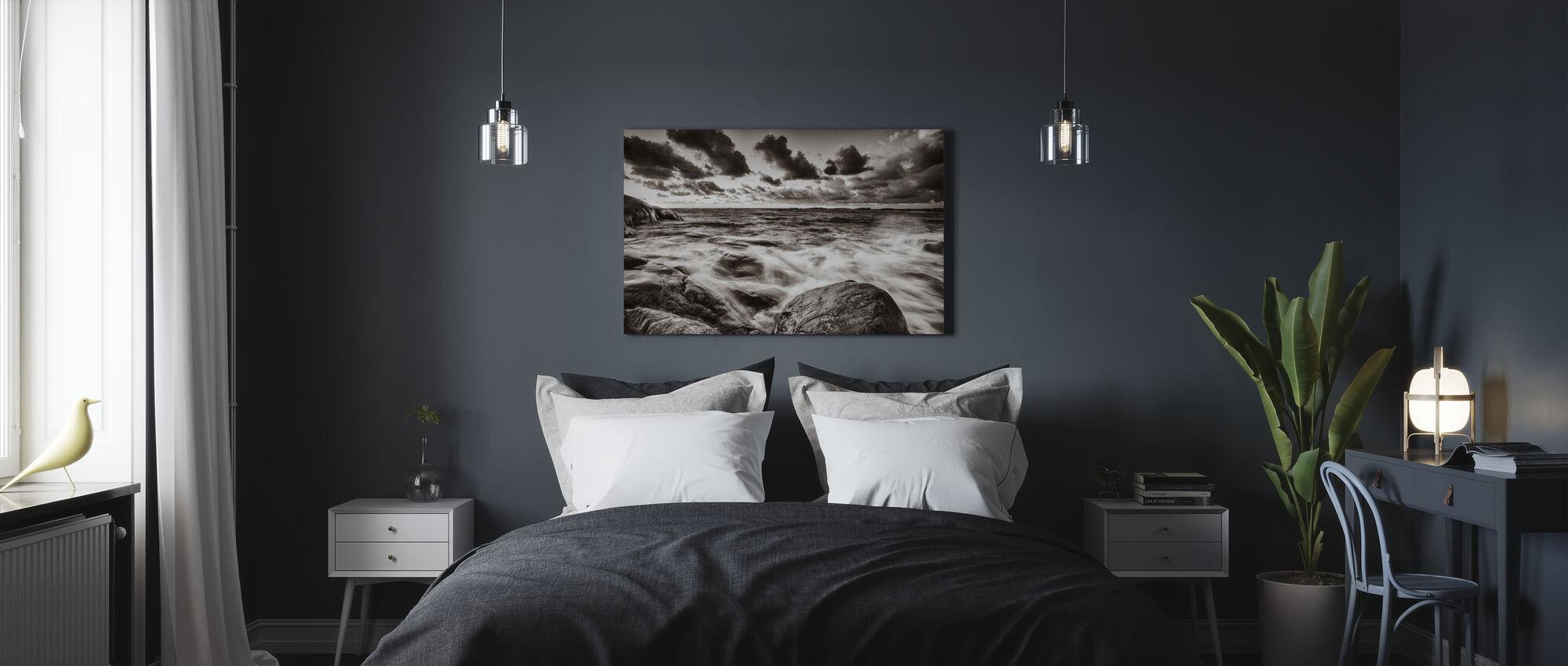 Myrskyinen meri kallioilla - Canvastaulu - Makuuhuone