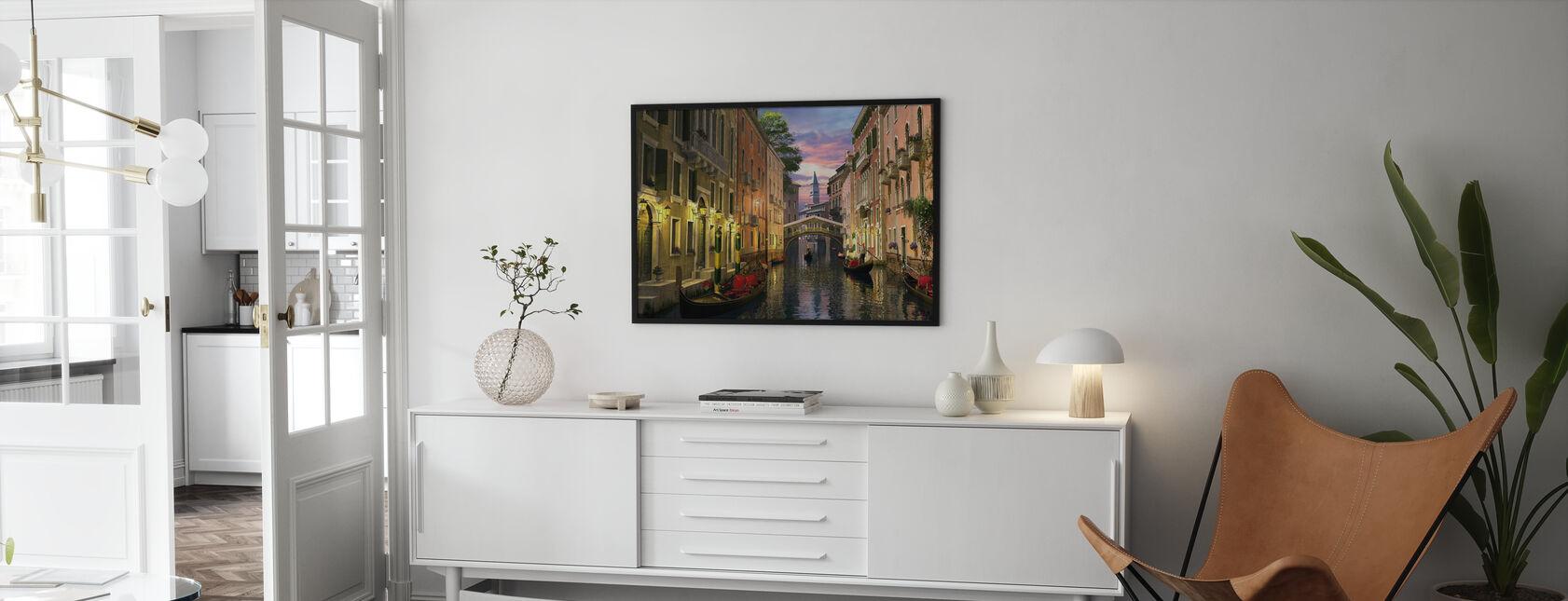 Venetsia iltahämärässä - Kehystetty kuva - Olohuone