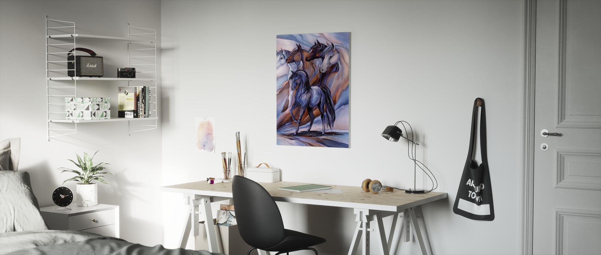 Inspirert av de fem hestene - Lerretsbilde - Barnerom
