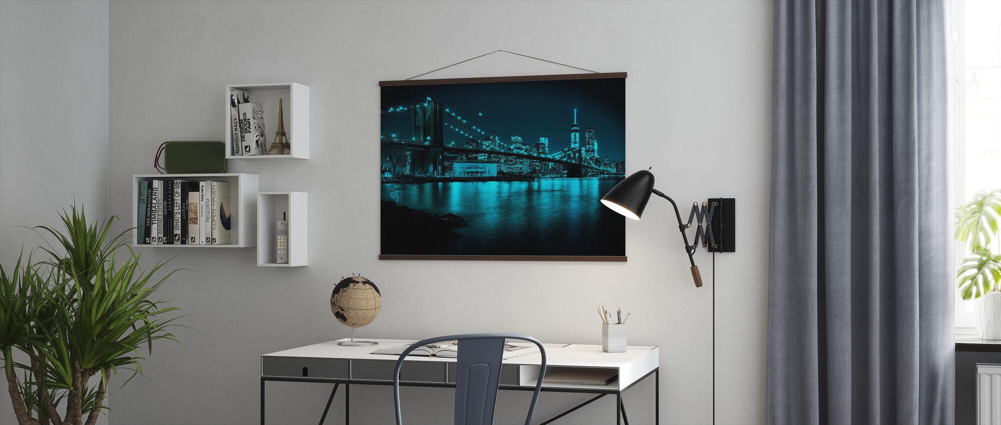 New Freedom Tower und Brooklyn Bridge bei Nacht - Poster - Büro