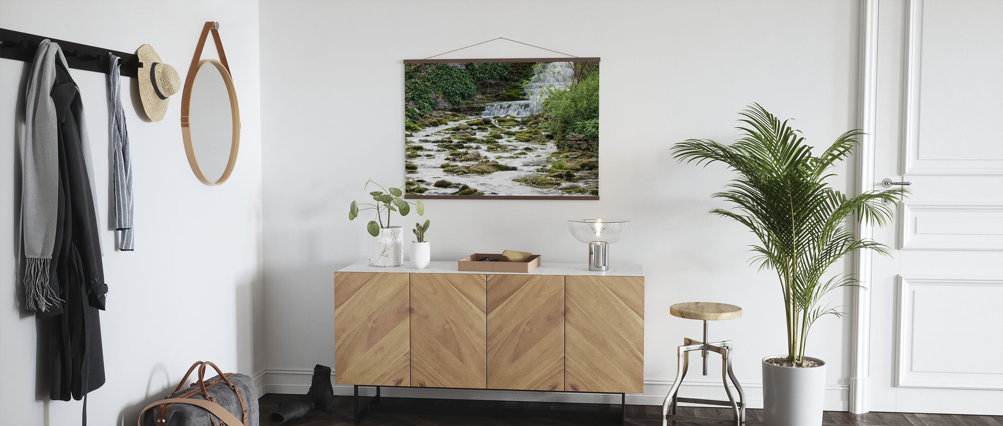 Troll River - Poster - Hallway